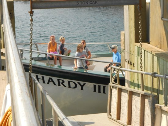 Hardy Boat Cruise: arriving at Monhegan
