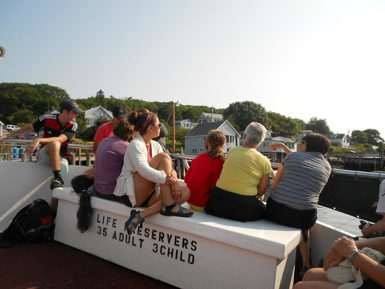 Hardy Boat Cruise: passengers up front