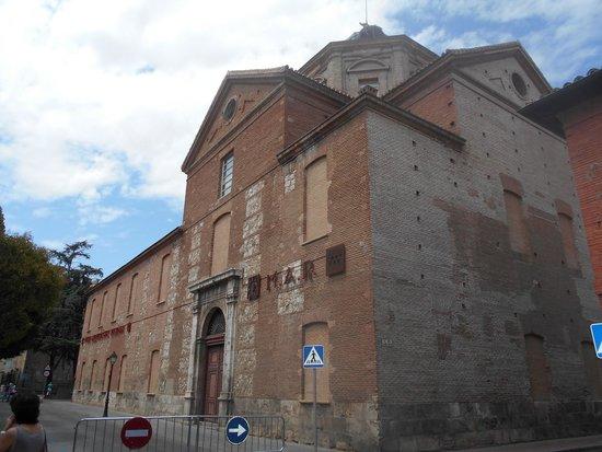 Museo de Arqueología: Fachada trasera
