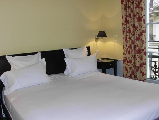 Hotel le Lavoisier: bed