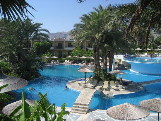 Atrium Palace Thalasso Spa Resort & Villas: lovely pools