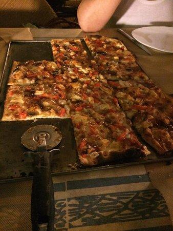 Pizza mediana foto di pizzeria la nonna salou tripadvisor - Pizzeria la nonna ...