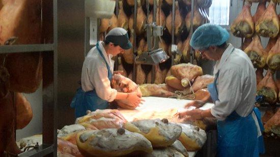 Parma Food n Wine Tours : King Prosciuto