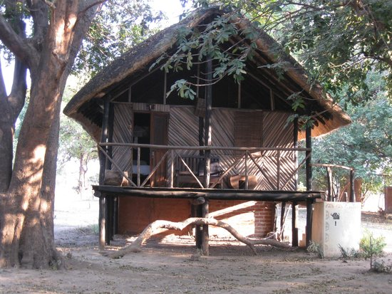 Croc Valley Camp: Our rental property