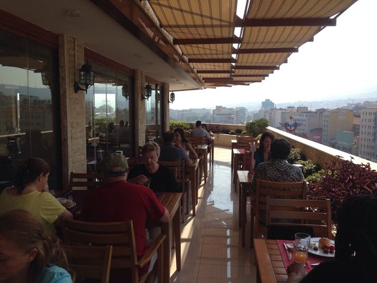 Grand Corner Boutique Hotel: Rooftop dining area