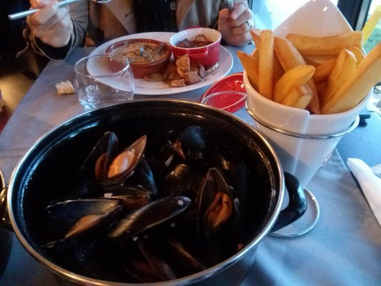 moules frites de chez ma m re un d lice picture of chez ma mere cavillargues tripadvisor. Black Bedroom Furniture Sets. Home Design Ideas