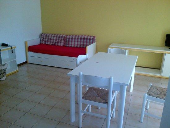 Residenza Alberghiera Italia: soggiorno appartamento con divano letto