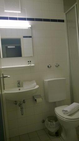 Bold Hotel Munich Center: bathroom