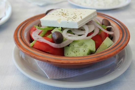 Beach-Taverna Kastri : Den underbara grekiska salladen