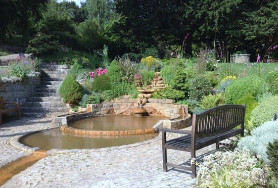 Chalice Well: Healing pool