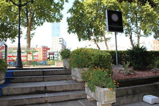 Hotel Conde Duque Bilbao: Entrada