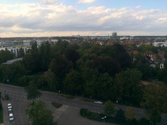 Pullman Fontana Stuttgart : View of park grounds