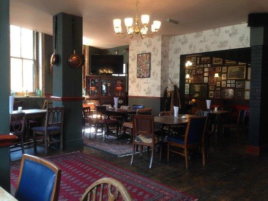 The Olde Swan Hotel: Cozy Restaurant