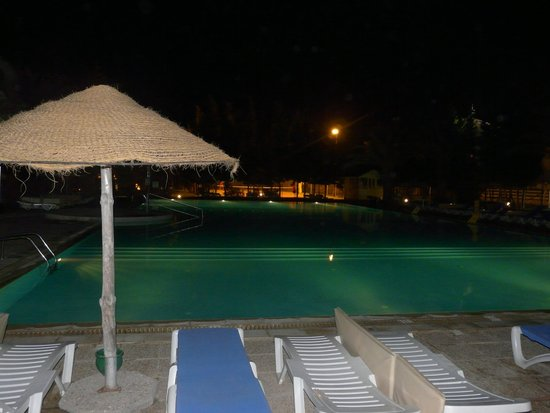 Hotel Manar : The relax pool at night.