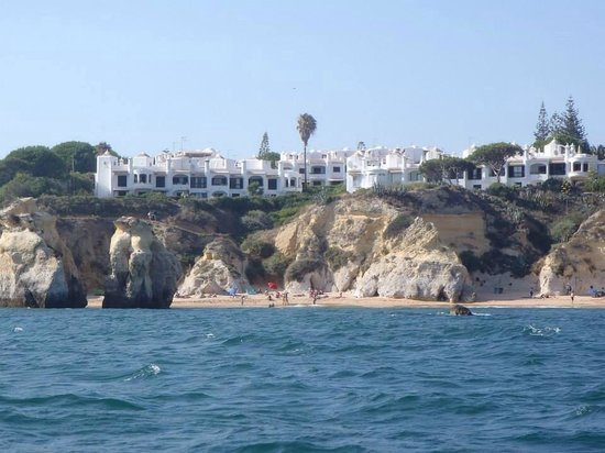 Dream Wave: Nice view of the Algarve coast from the boat
