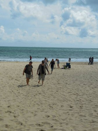 Bournemouth Beach: Walking on the beach at Bournmouth