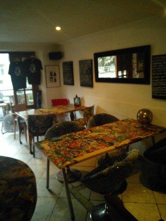Bar Jules: inside