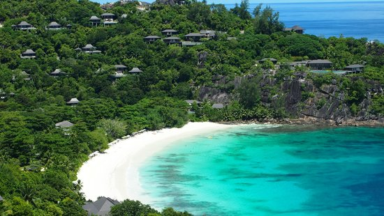 Four Seasons Resort Seychelles: beautiful beach
