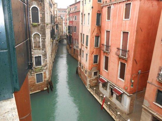 Starhotels Splendid Venice: Vue depuis la fenêtre de la chambre