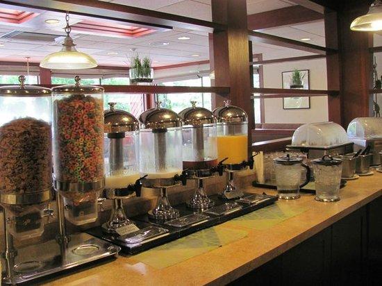 BEST WESTERN Seattle Airport Hotel: Huge variety for breakfast