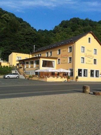 Hotel Loreleyblick: Very nice place run by kind people.