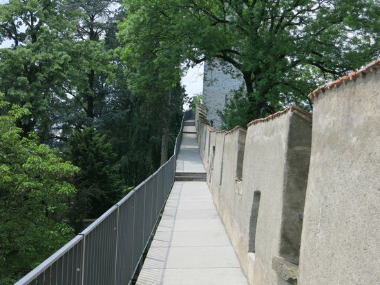 The Nine Towers: The rampart along the top of the wall.