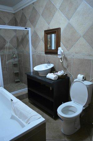 Avant Garde Lodge : Bathroom