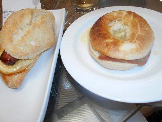 Indalo Tapas Alcala Centro: Guarra con tortilla y jamón con queso