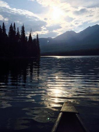 Pyramid and Patricia Lakes : Ahh.. Peaceful on Pyramid Lake.