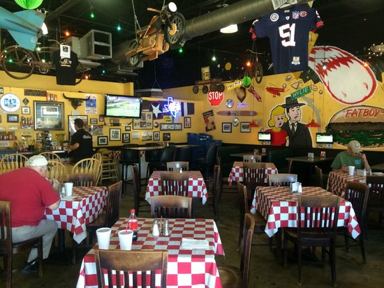 Wylie, TX : Dining area full of fun things to look at
