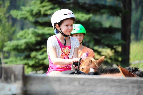 Panorama Mountain Resort: trail ride
