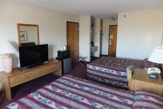Beartooth Inn of Cody : Bedroom view 1