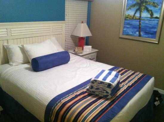 The Barefoot Suites : The bedroom was comfortable