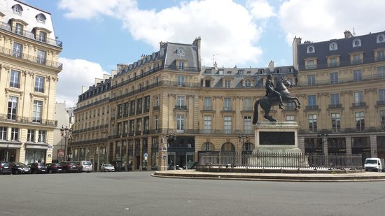 Timhotel Palais Royal Louvre: plaza de las victorias a 100mt del hotel