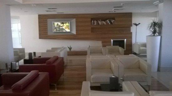 Valamar Lacroma Dubrovnik: bar inside