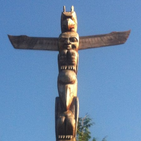Seawall in Vancouver: totem pole