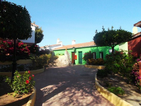 Marbella Playa Hotel : Calle Conil