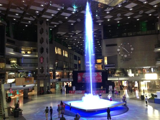 Complexe Desjardins: Four Story Fountain, with music