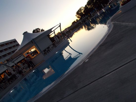 TUI FAMILY LIFE Kerkyra Golf : pool bar