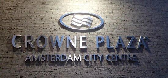 Crowne Plaza Amsterdam City Centre: l'insegna esterna