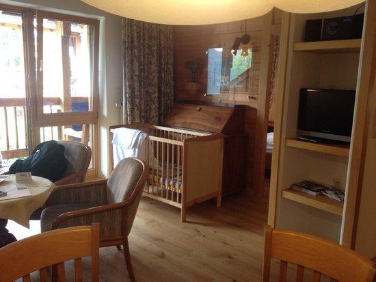 Appartement  Hotel Seespitz: living, cuna