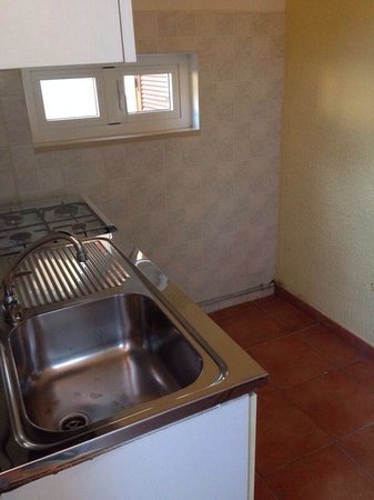 Villaggio Turistico Le Mimose: Questa è la cucina del campeggio Le Mimose di Porto Sant'Elpidio...