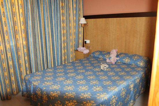 Gavimar La Mirada Club Resort: bedroom
