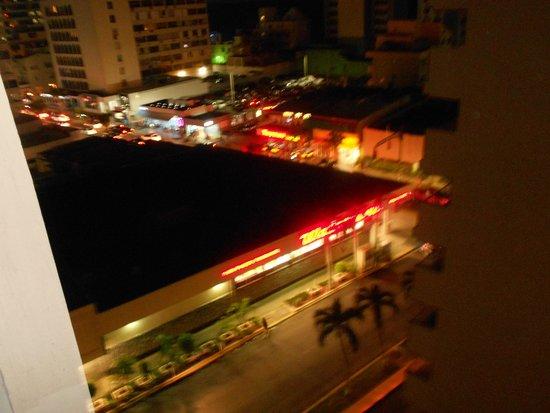Best Western Plus Condado Palm Inn & Suites: night life