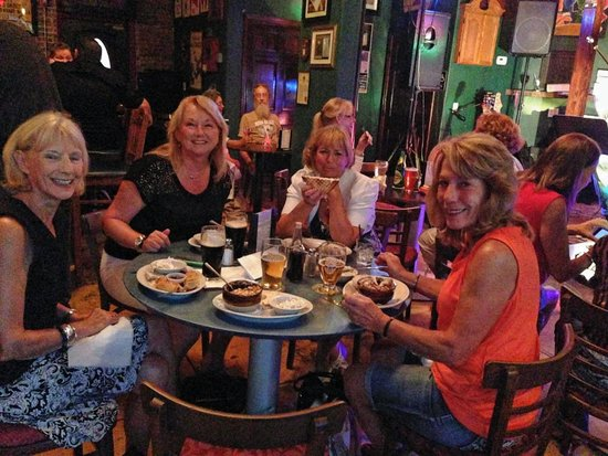The Celtic Ray Public House: Girls week out!