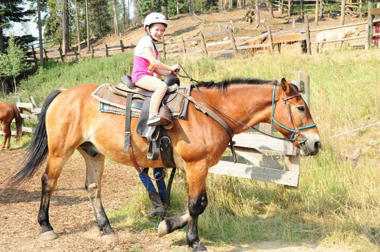 Panorama Mountain Resort: trail ride