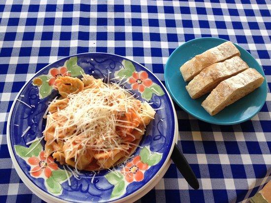 Los Platillos Voladores: Tortellini