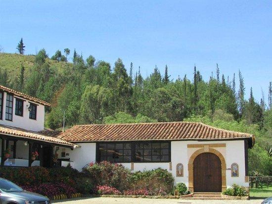 Hospederia Duruelo : y capilla