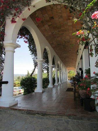 Hospederia Duruelo: arcos flores y..