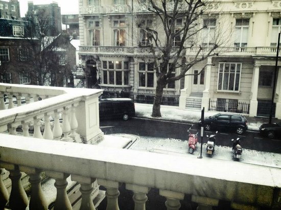 Hyde Park Executive Apartments: Un hiver enneigé...